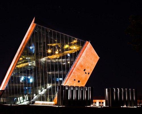 Budynek Muzeum II Wojny Światowej w Gdańsku