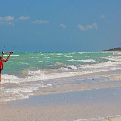 Empty Beaches www.comekitewithus.com