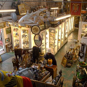 An overview of Parade Antiques