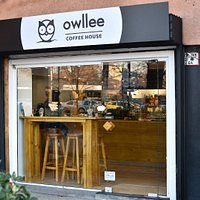 Owllee coffee house from the outside