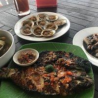 Seafood di pantai serangan