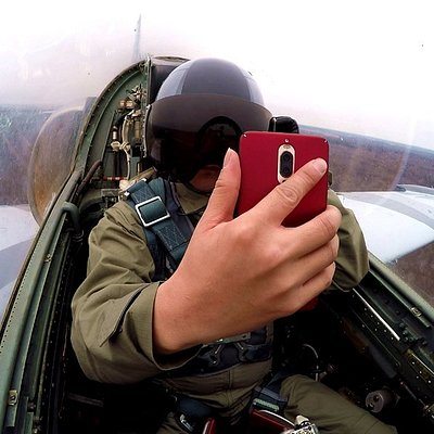 Take your seat in the cockpit of one of our training jets and rise to conquer the sky!