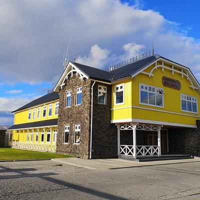 Oficinas Centras de Transbordadora Austral Broom S.A., TABSA, en Punta Arenas.