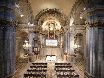 Interno chiesa dei Battuti Neri-centro congressi s. Agostino