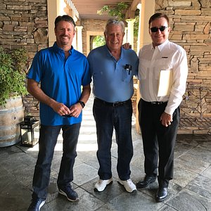 Richard Childress, Andy Petri, and my guest had a great time taking pictures together🐶