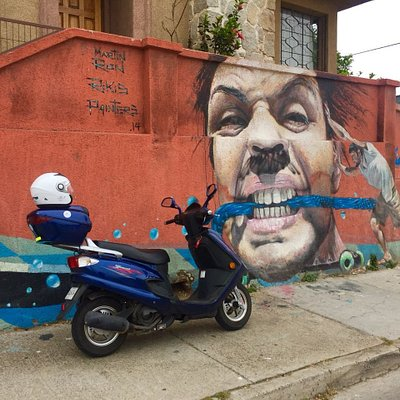 Paseo en Moto Scooter, Museo Cielo Abierto, Valparaíso. Arriendo con ViveScooter