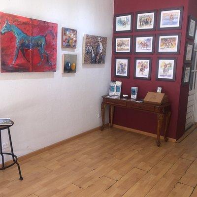 Excelente ubicación y hermosa Galería de Arte! Felicidades Diaz Castro.