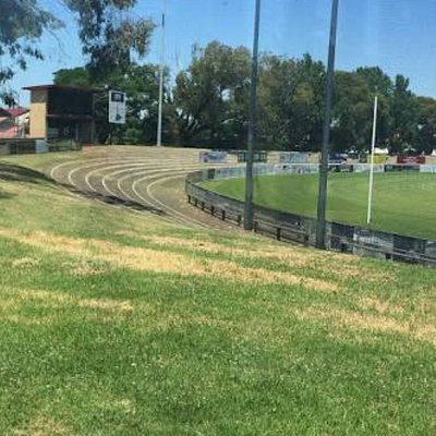 great location next to coburg city oval and the leisure centre