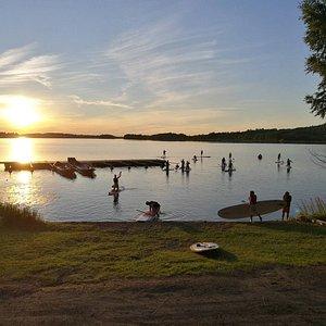 """Aulanko Outdoors """"Sunset SUP"""" event at Katajistonranta, Aulanko (Lake Vanaja)"""