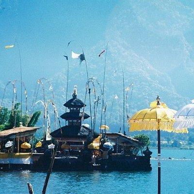 Temple Ulun Danu at Lake Bratan