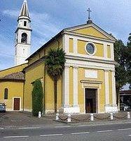 La chiesa è all'ingresso di Sala Baganza in Via Maestri.All'interno un affresco di Cesare Baglio