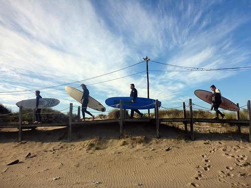 Surfing Experience at Caparica