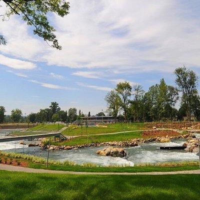 Voici une vue du parcours sportif du Stade d'eau vive de Pau-Pyrénées
