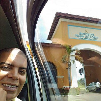 A Nascimento Transfer VIP leva você e sua família para os melhores resort's da Bahia!