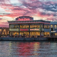 Paula Deen's Family Kitchen