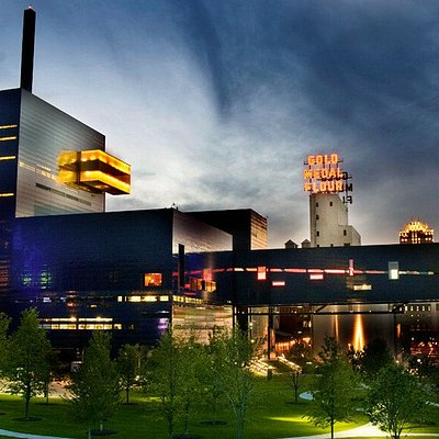 A view of the Guthrie from Gold Medal Park. Photo by Mark Vancleave.