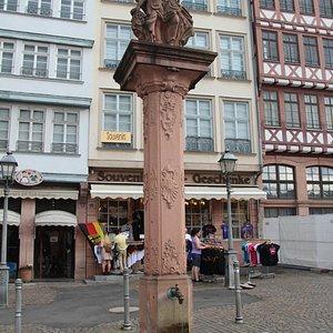 Minerva statuen