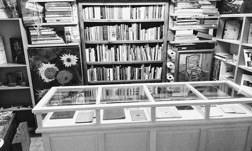 A part of the collection of the Vincent van Gogh Library.
