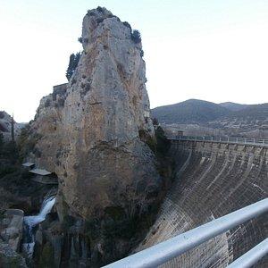 parte hidroelectrica del embalse