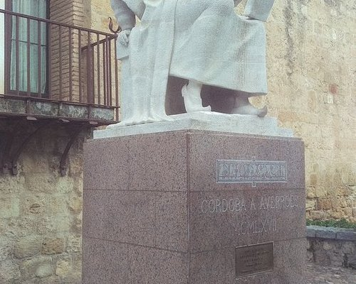 Statue of Averroes