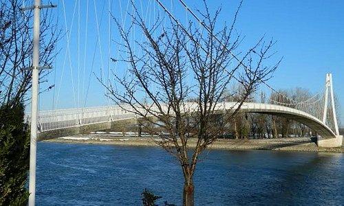 Footbridge / Pješački most