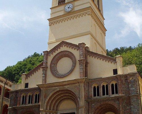 Facciata della Chiesa Parrocchiale sulla piazza del comune