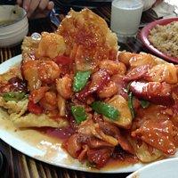 Kam lu wantan, a mi particularmente no me gusta mucho este plato pero el de este local estuvo ri
