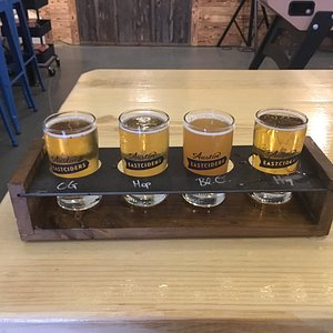 I tried a flight of 4 of the 5 ciders