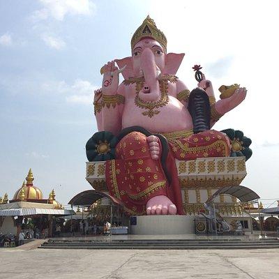 Wat Phayakkha Intharam (Wat Chedi)