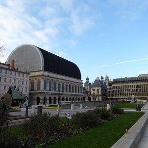 L'Opéra National de Lyon vue de côté