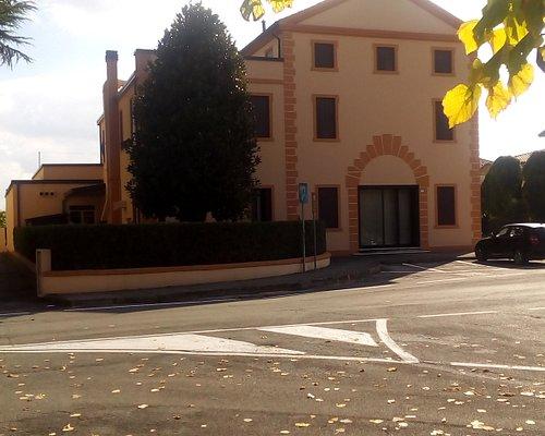 Corpo di fabbrica destra di Villa Berti unica parte sopravvissuta alla distruzione della Battagl