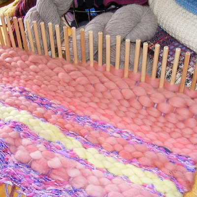 Lern how ro make Rugs on our Peg Looms