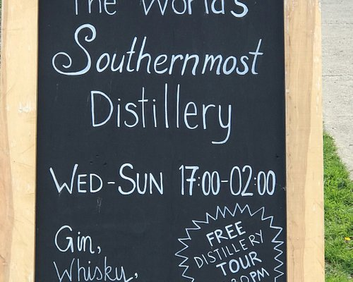 Two misplaced Australians are running this place and are distilling their own Gin and Whiskey in