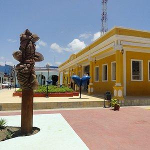 Plaza de la Marqueta en la ciudad de Holguin