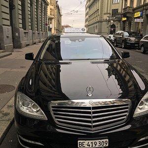 Mit  Mercedes Viano 8 Platz und Mercedes S Klasse können Sie Komfort fahren. unsere Preise passt