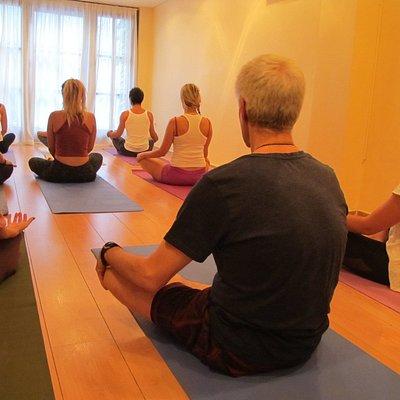 Ashtanga yoga - small group practise