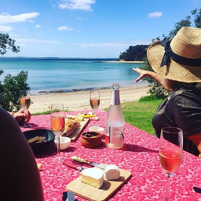 Enjoying a seaside picnic exclusive to MP Plunge Wine Tours