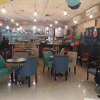 Awsome place to hangout at heart of the city Varanasi.. Food quality is too good...lovely pizza