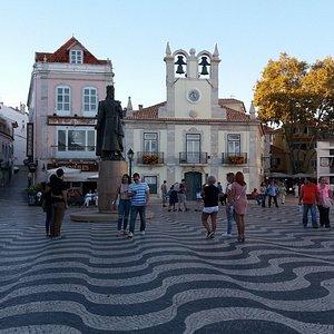 Praça 5 de Outubro.