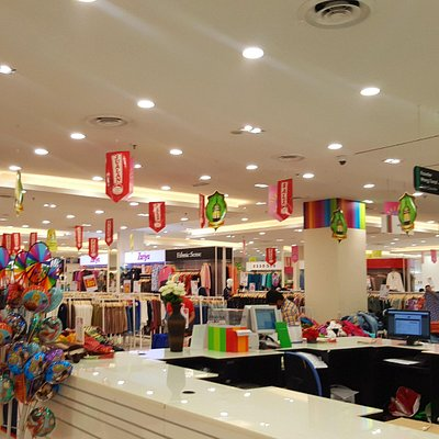 interior of LuLu Hypermarket