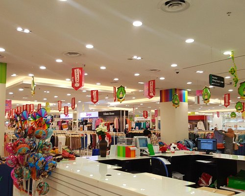 interior of LuLu Hypermarket