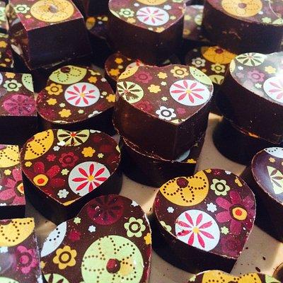 Dark chocolate with a mint fondant centre