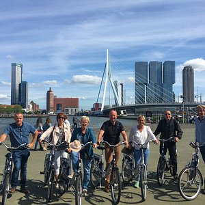 See the skyline of Rotterdam from our comfortable bikes!