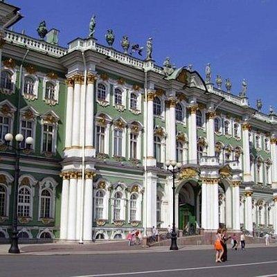 Главный музей Северной столицы - Государственный Эрмитаж.