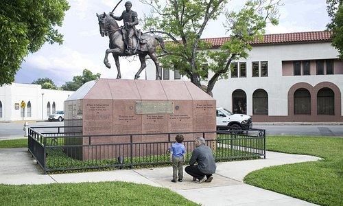 Juan Seguin Statue