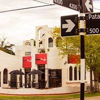 Patagones 495, esquina Juan A. Peña de Mar del Plata. Casa de té con salón para consumo y compra