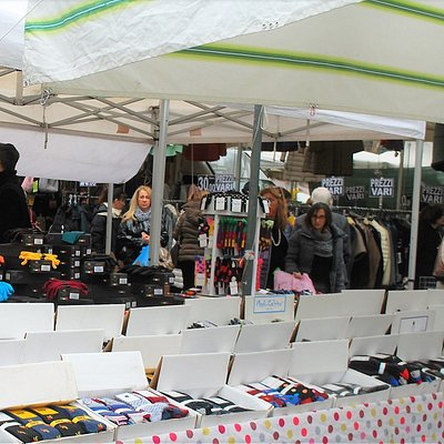 markets are open all year round and in light rain too, cancelled only for heavy rains