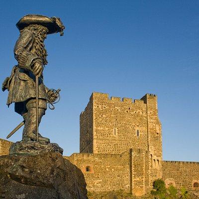 King Williams Statue Carrickfergus Tour Meeting Point