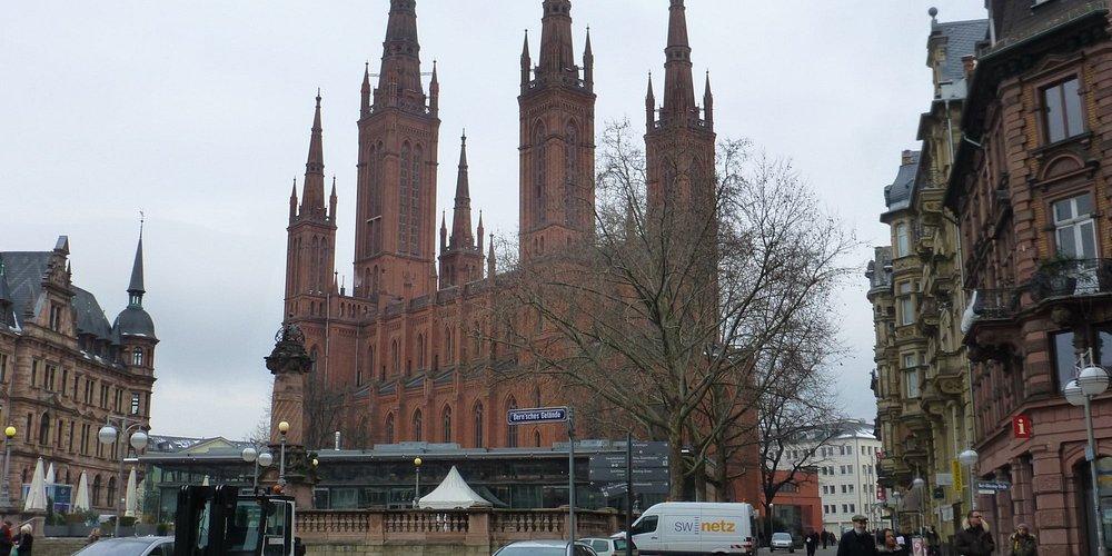Wiesbaden, View on Marktkirche and Neues Rathaus from Dern'sches Gelände