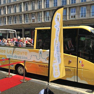 """Notre bus cabriolet panoramique """"Bee Le Havre City Tour"""" dispose de 30 places assises"""